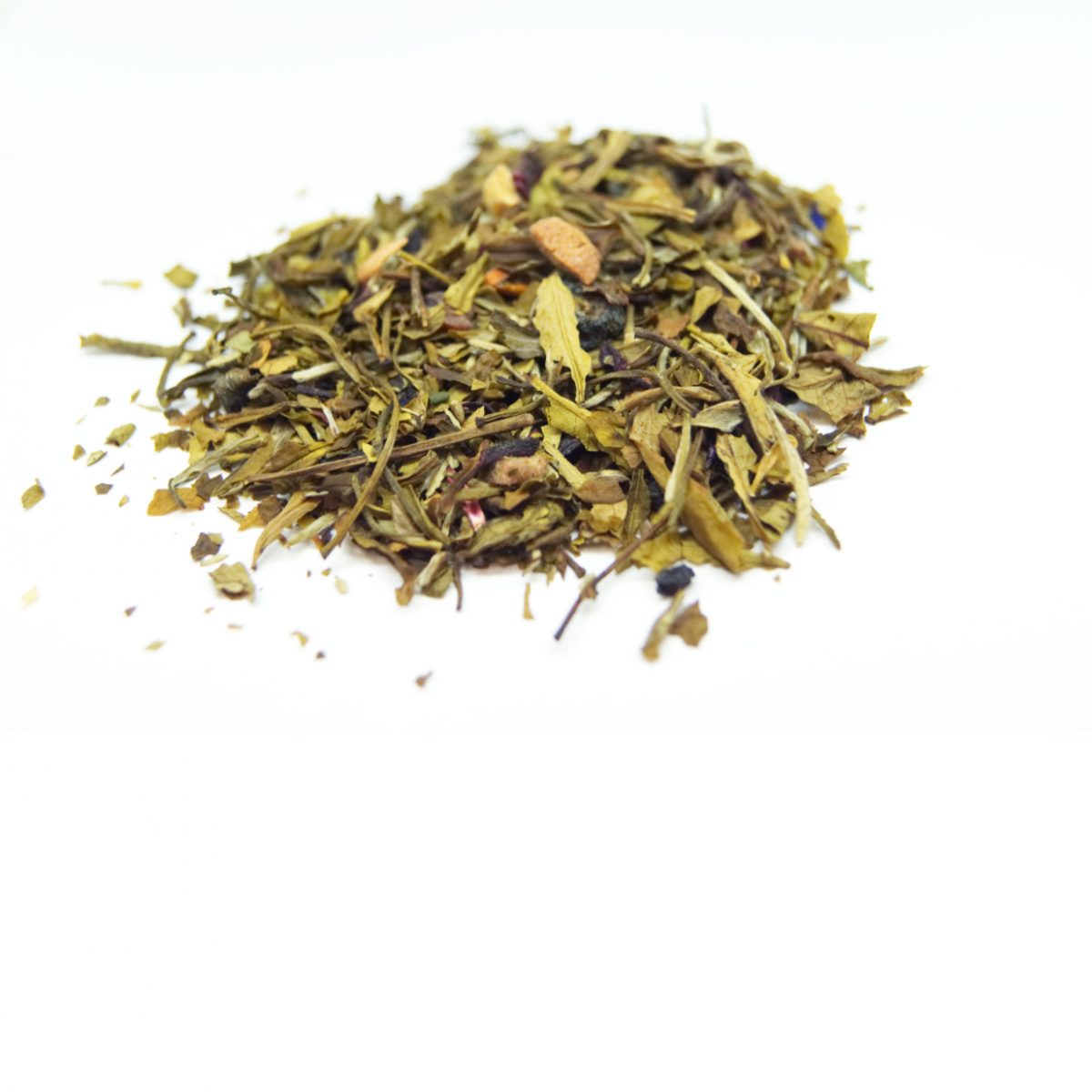Dakota Prairie Rose White Tea with floral notes of the rose and a slight tang of the pieces of Passionfruit and Hibiscus.